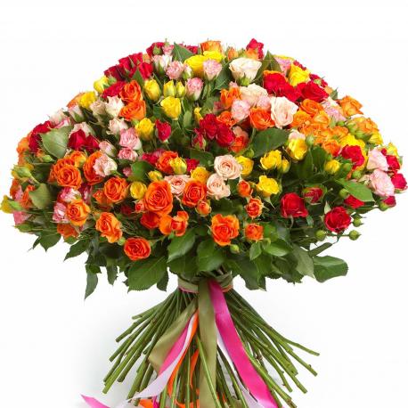 """Букет """"101 разноцветная кустовая роза"""""""