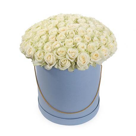"""Букет в шляпной коробке """"101 белая роза"""""""