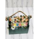 Коробка с макаронами и цветами заказать