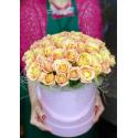 Букет в шляпной коробке 51 Российская Роза купить