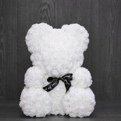 Белый медведь из роз