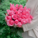 Букет из 25 крупных розовых роз Topaz (Эквадор)