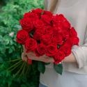 Букет из 25 крупных красных роз Freedom (Эквадор)