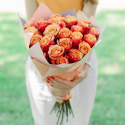 Букет из 25 оранжевых роз с доставкой